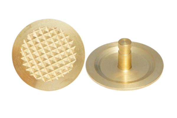 Diamond Brass Tactile Studs - 翻译中...